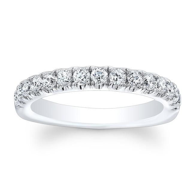 Lady's Diamond Wedding Ring